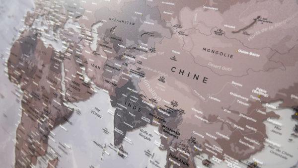 Doppelseitige Plexiglas-Weltkarte