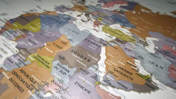 Transparente Plexiglas-Weltkarte